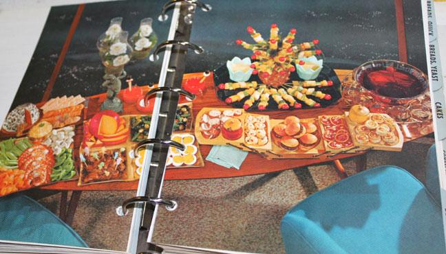 Setting A Buffet Betty Style Savvy Entertaining