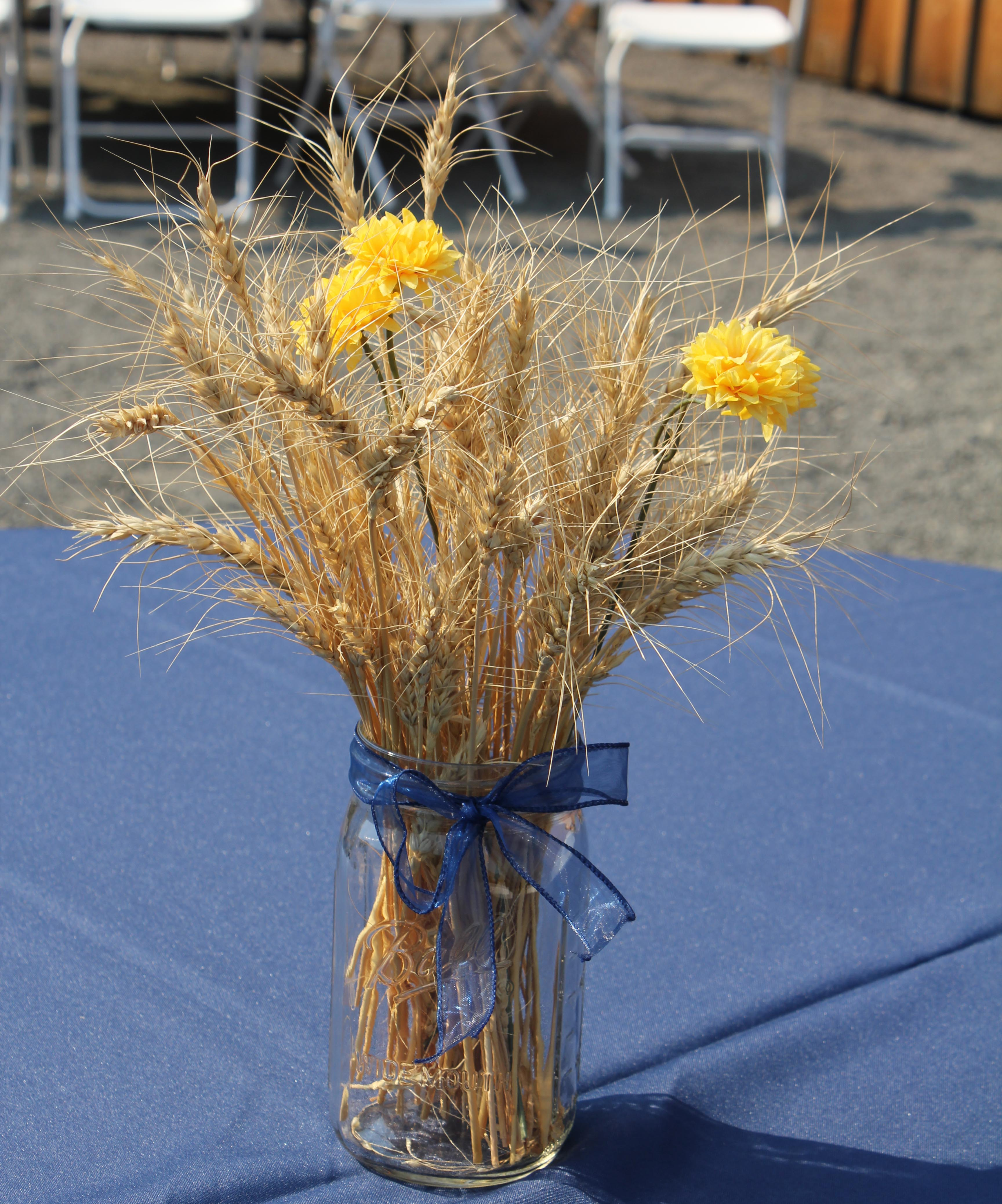 Western photos savvy entertaining for Wheat centerpieces