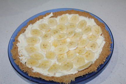 Top with sliced bananas. (If you want more bananas, cut them into chunks and double the amount.)