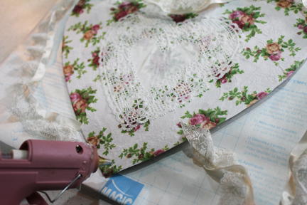 deco heart add lace with glue