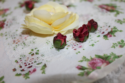 deco heart little roses