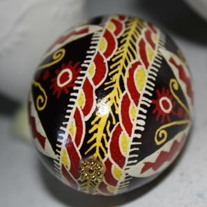 egg black 1